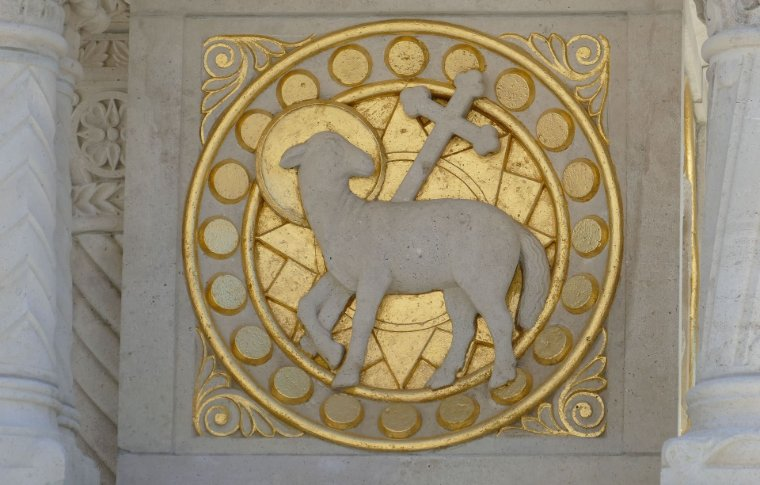 sheep and cross on gold circle plaque