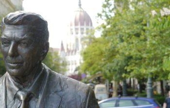 statue of ronald reagan