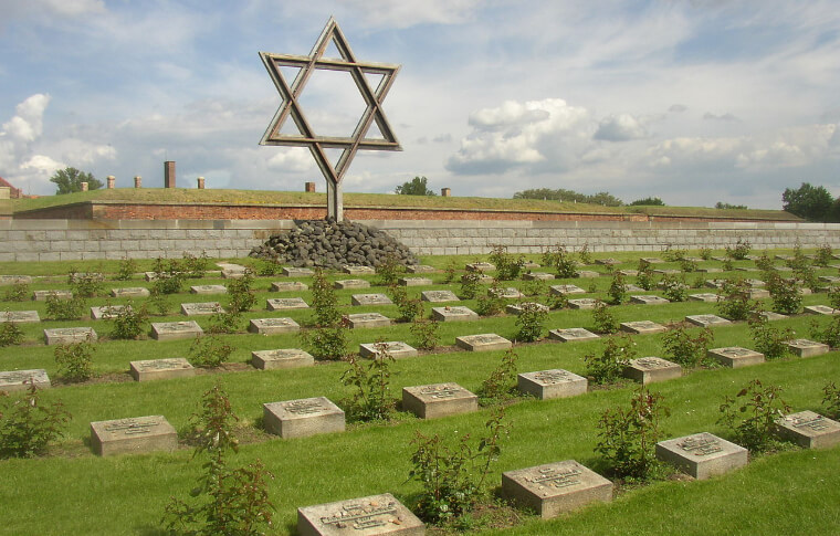 statue of star of david in graveyard memorial
