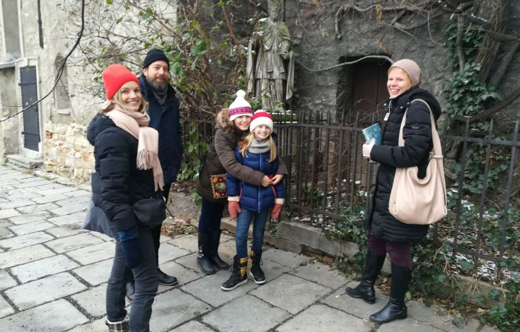 Family on a tour in Vienna